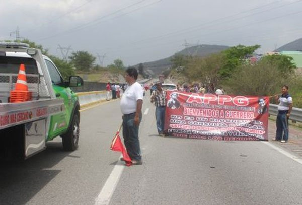 activists blockade highway