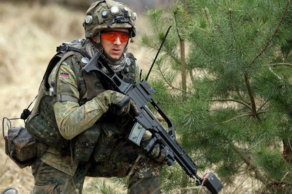 soldier with g36 rifle