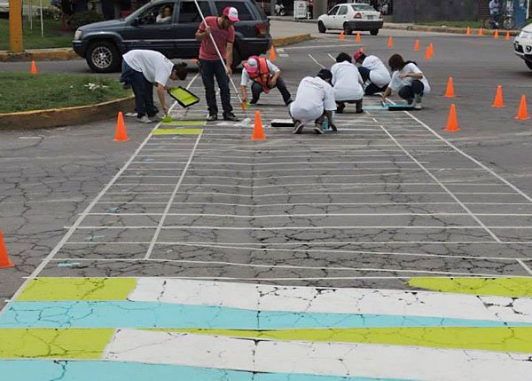 Painting crosswalks was on the agenda of the Cholula conference.