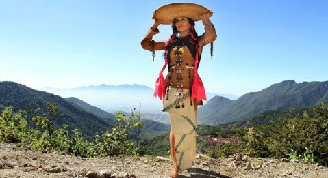 Mexican-born singer Lila Downs