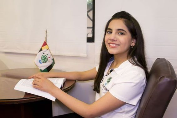 Dafne Almazán, 13:-year-old psychologist