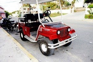 A Jeep Wrangler golf cart on Isla Mujeres.