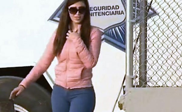el chapo u0026 39 s wife in ju u00e1rez for a visit