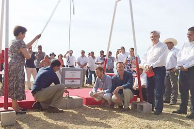 Officials lay the first stone in construction of Hotel One & Only Mandarina.