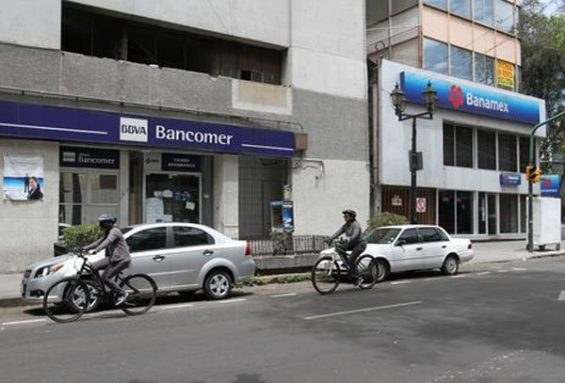 Banks in Mexico: more people are using them.