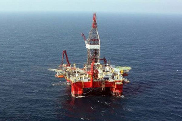 Drill rig in the Gulf of Mexico.