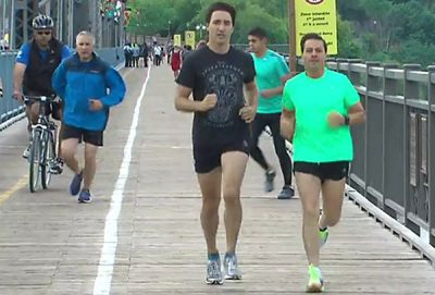 Trudeau jogs this morning in Ottawa with Peña Nieto.