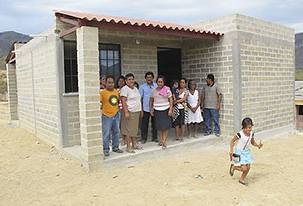 Homes for low-income families are being built for 150,000 pesos