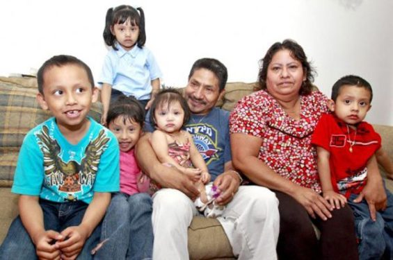 The Mexican family: important to most.