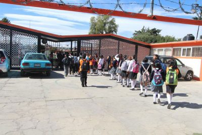 The Puebla school where students lost their phones.