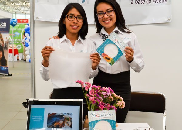 Oaxaca students and their invention.