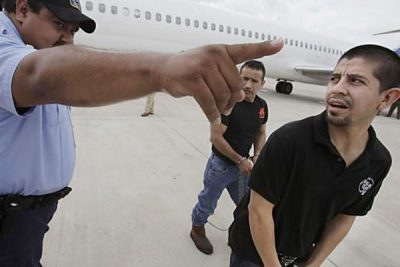 Mexican immigrants being deported from US.