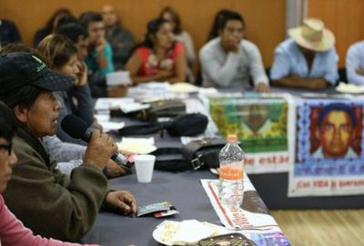 Ayotzinapa parents meet with federal authorities.