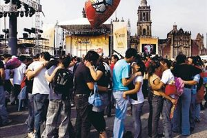 On Valentine's Day 2009, Mexico City broke a Guinness record for the most people kissing simultaneously.