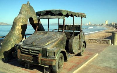 The iconic Pulmonia even has its own monument in Mazatlán.
