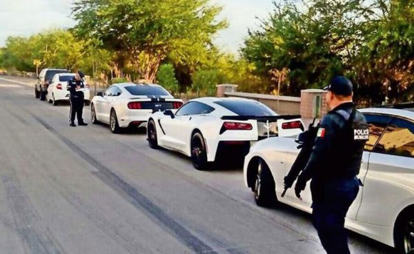 35 Arrested For Racing Luxury Sports Cars In Downtown Culiacán