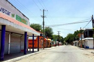 Ghost town: businesses closed for two days in El Barretal, Padilla.