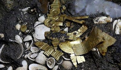 Aztec jewelry unearthed beneath Mexico City.