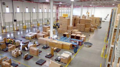 New distribution center for Hyundai and Kia parts in México state.