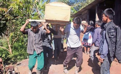 A woman who died in a Chiapas camp was buried yesterday.
