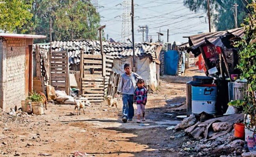 In Ecatepec, México state, 786,000 people were living in poverty in 2015.