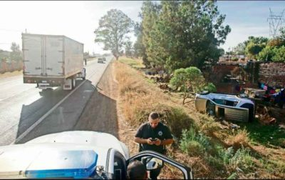Police investigate a motor vehicle accident in Jalisco.