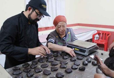 Making chocolate at Oaxacanita.