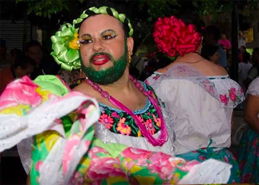 Man dressed as a woman for annual Chiapas festival.