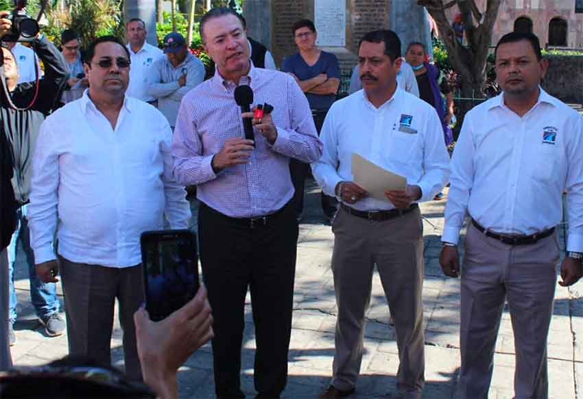 Governor Ordaz laments state's arms build-up.