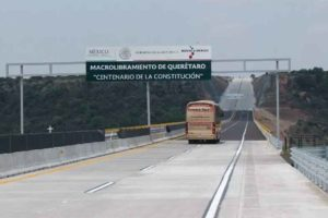 Resurfacing the Mexico City-Querétaro highway is one of this year's transportation projects.