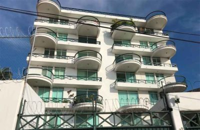 The condominium in Acapulco where two Canadians died this morning.