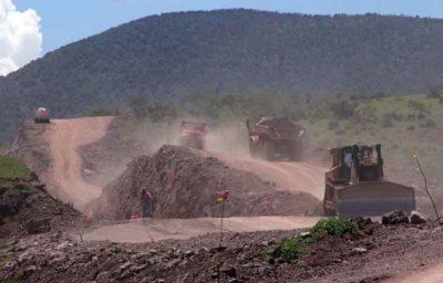 Highway construction in Oaxaca: it's a slow process.