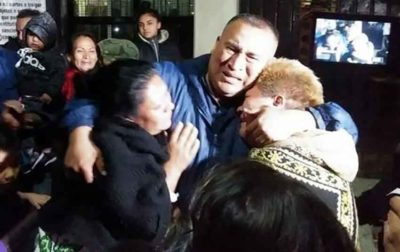 An emotional Sánchez with family members after his release from jail.