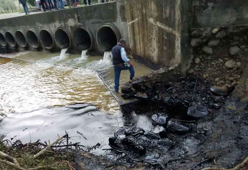 Oil pollution in Puebla communities has been blamed on Pemex.