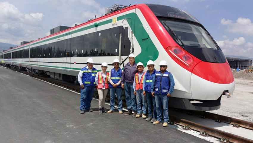 One of the trains that will operate between Mexico City and Toluca.
