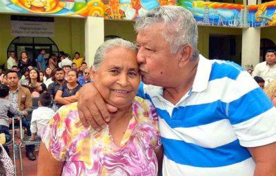 Newlyweds in Coatzacoalcos, Veracruz.