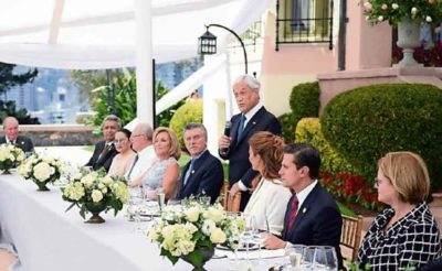 Peña Nieto, second from right, in Chile yesterday.