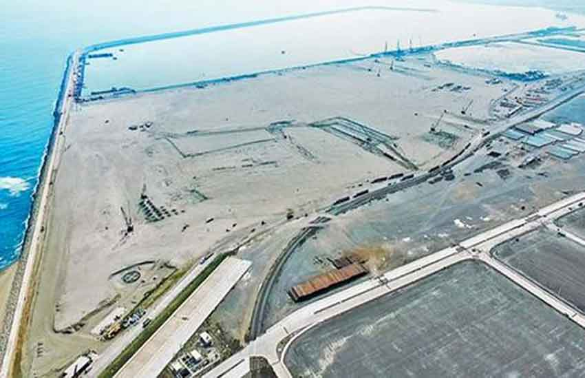 New port at Veracruz. The old one was built by Porfirio Díaz.