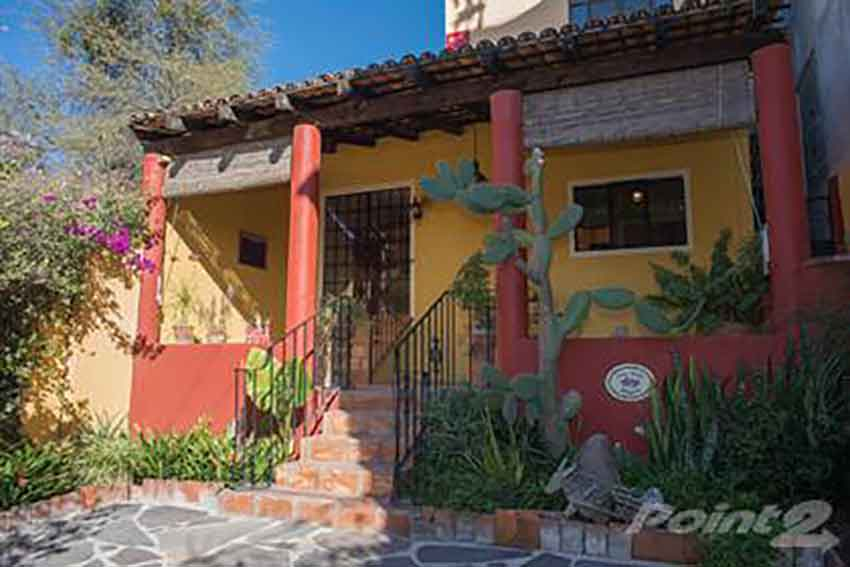 For US $244,000 you can have this home in San Miguel.