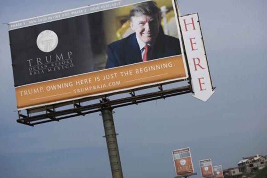 Billboard that promoted 2006 Trump development.