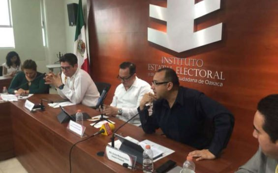 Oaxaca's electoral institute reported on progress in election planning this week.