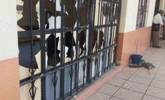 Damage at municipal offices in Las Margaritas.