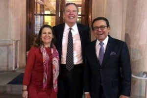 Happy threesome: trade negotiators Freeland, Lighthizer and Guajardo.