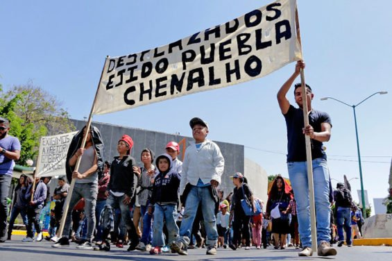 A protest march in Chenalhó over a longstanding territorial tiff.