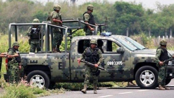 Soldiers on patrol in Guerrero.