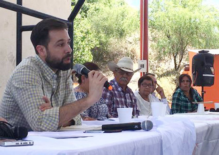 The UN official and residents affected by the Sonora spill.