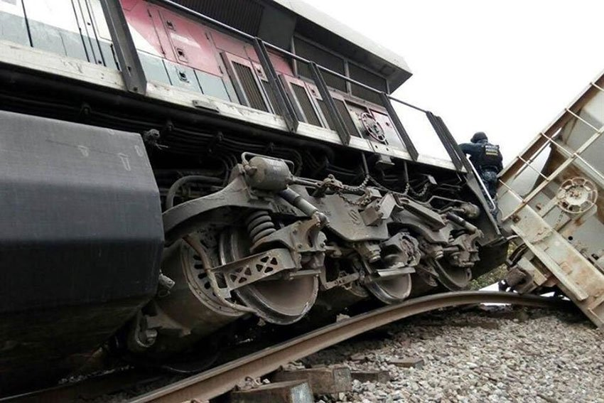 Twisted track and a train wreck in Veracruz.