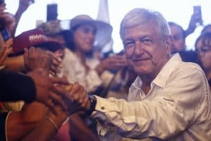 López Obrador: relaxes stand on new airport.