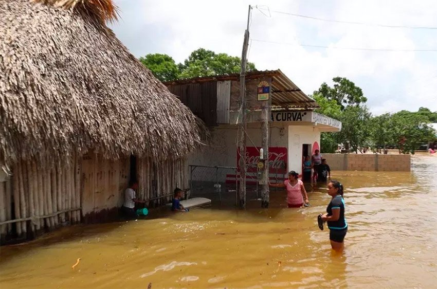 Flooding yesterday in Felipe Carrillo Puerto, Quintana Roo.
