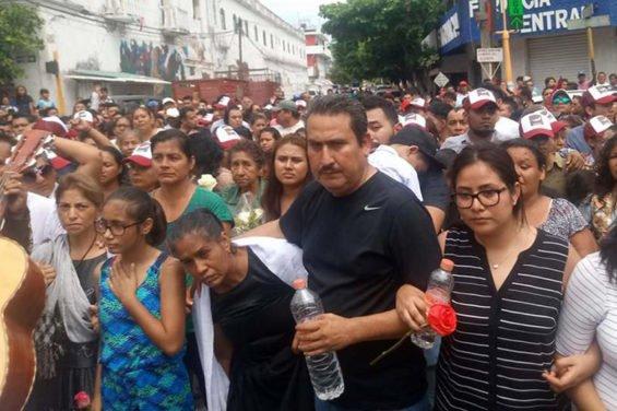 Yesterday's funeral for Pamela Terán in Juchitán.